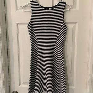 Black & White Stripe Skater Dress H&M Divided Sz 6